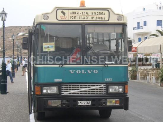 Bus vom Hafenort Gialos in die Chora